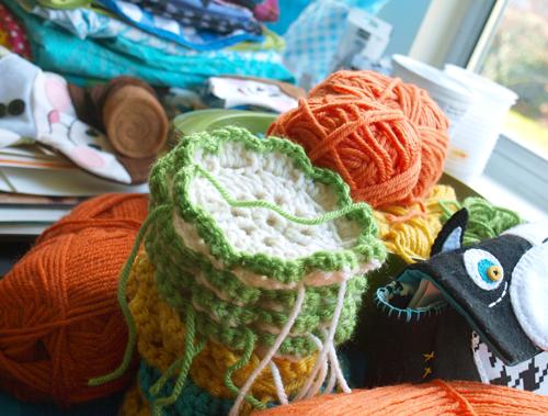 Crochet_peek1_500